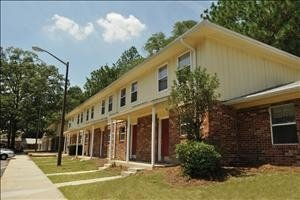 Blakewood Apartments
