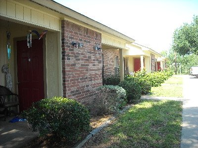 Live Oak Manor Apartments