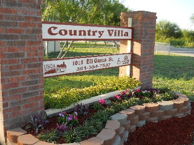 Country Villa Apartments