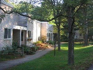 Lincoln Woods Apartments