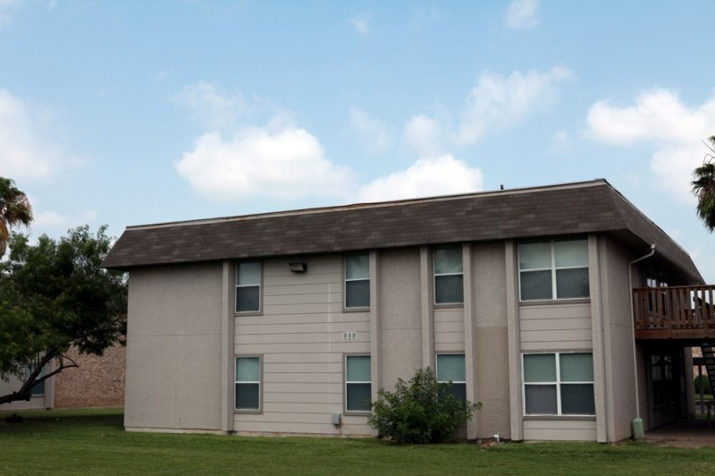 Rockwell Manor Apartments