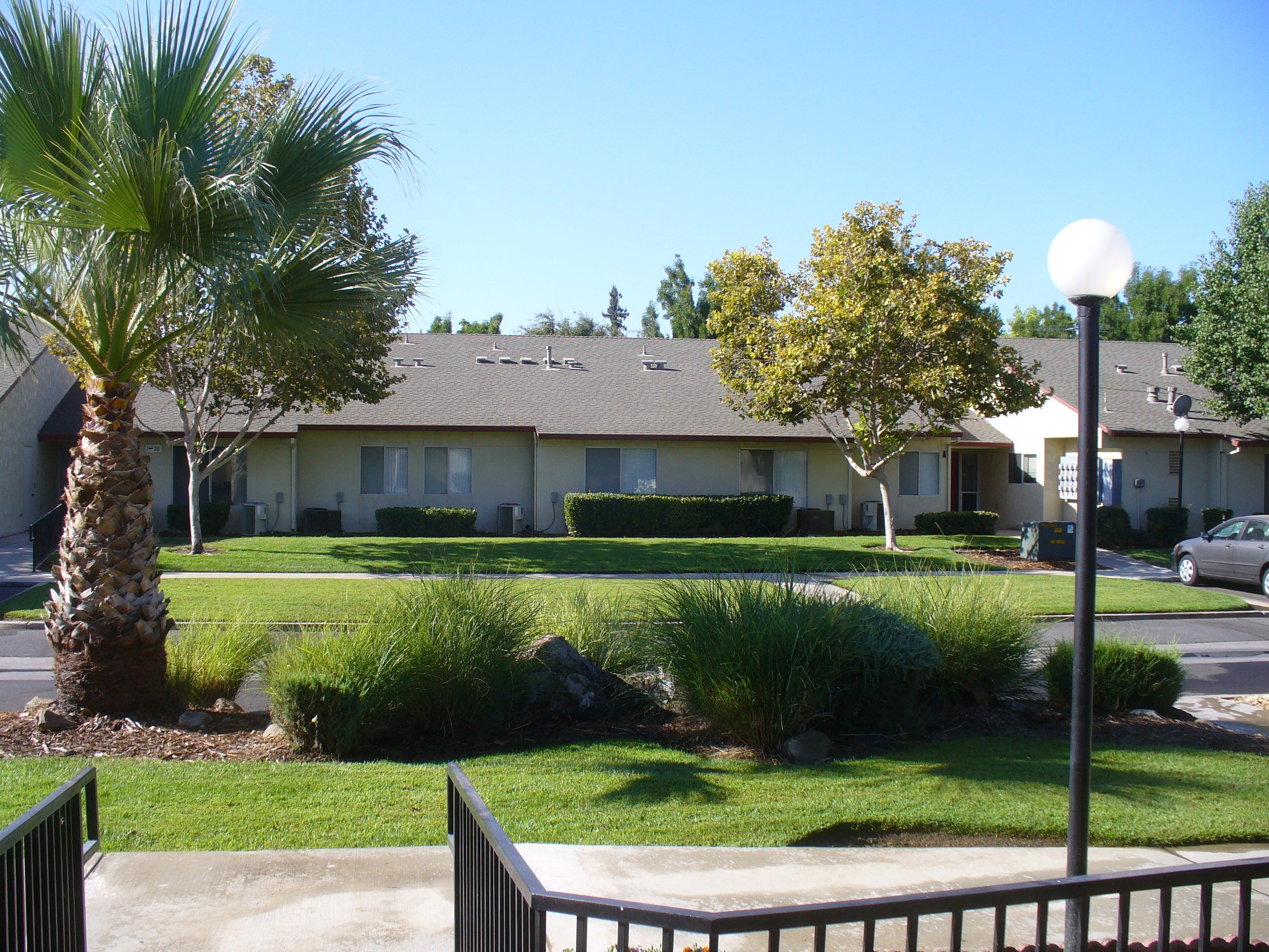 Woodlake Manor Apartments