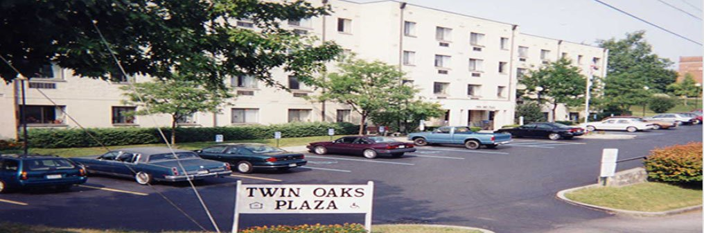 Twin Oaks Plaza