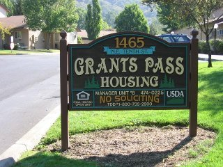 Grants Pass Housing